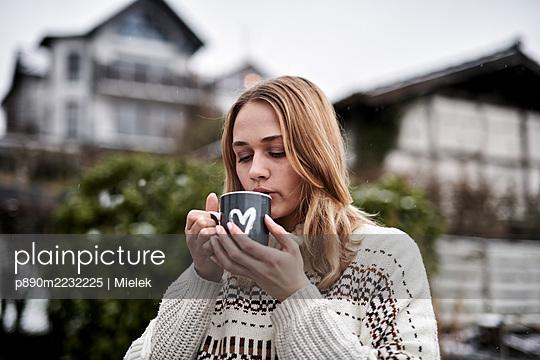 p890m2232225 by Mielek