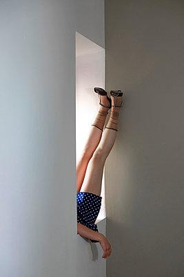 Weibliches Bein  - p1521m2116490 von Charlotte Zobel