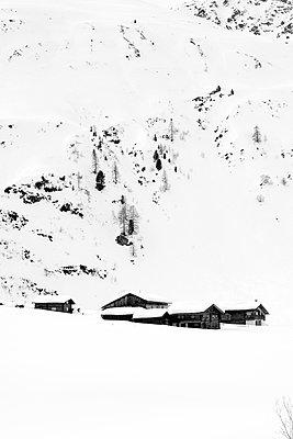 Ski Lodge - p2480631 by BY