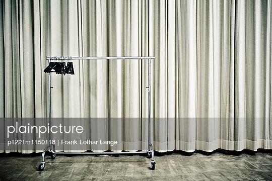 Kleiderständer - p1221m1150118 von Frank Lothar Lange