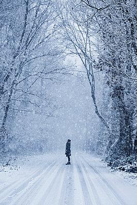 Winterspaziergang - p1348m1561830 von HANDKE + NEU