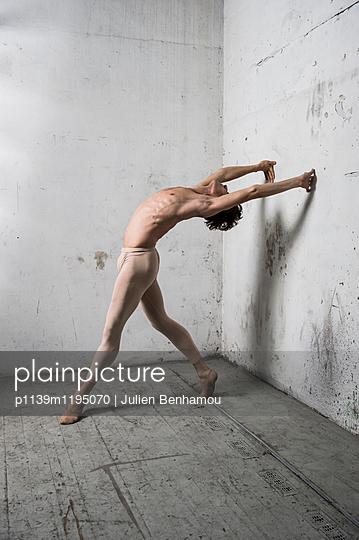 p1139m1195070 by Julien Benhamou