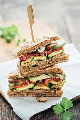 Vegetable sandwich - p300m1469700 by Ina Peters