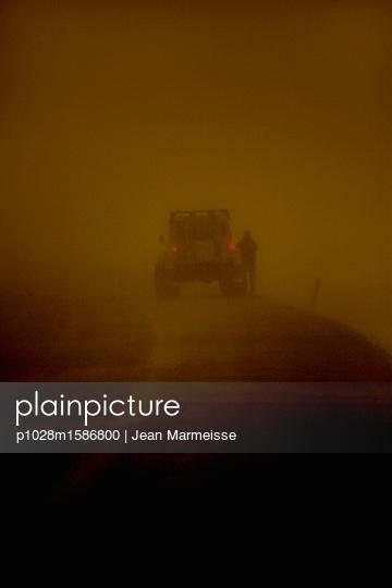In the storm - p1028m1586800 von Jean Marmeisse