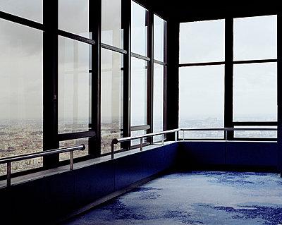 Aussicht auf Paris von einem Hochhaus - p1409m1467132 von margaret dearing