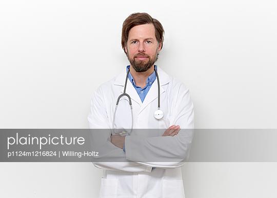 Junger Arzt  - p1124m1216824 von Willing-Holtz