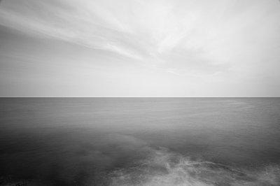 Atlantik bei Langzeitbelichtung II - p1079m856418 von Ulrich Mertens