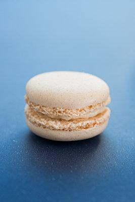Macaron - p954m1065873 von Heidi Mayer
