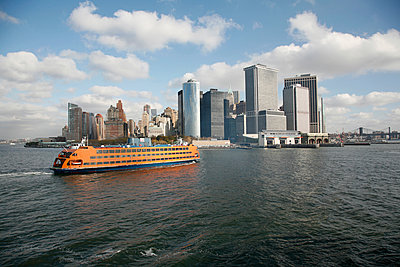 New York, Staten Island Ferry, Battery Park - p1294m1201557 von Sabine Bungert