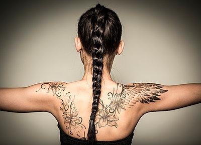 Tattoo - p552m891911 by Leander Hopf