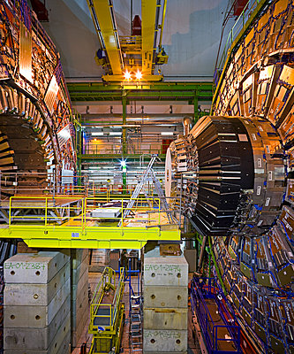CMS detector at CERN, Geneva - p1558m2133141 by Luca Casonato