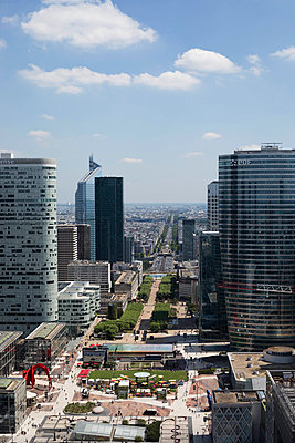 View on financial district La Defense - p445m1452422 by Marie Docher