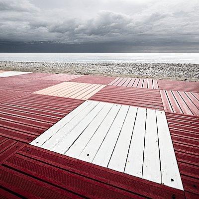 Bohlen am Meer - p1137m1559146 von Yann Grancher