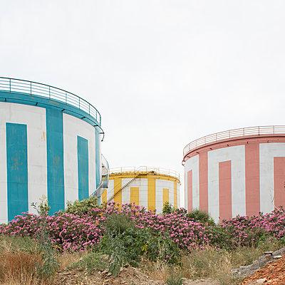 Colored silos - p1138m2016096 by Stéphanie Foäche