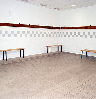Changing room - p3880377 by Ulrike Leyens