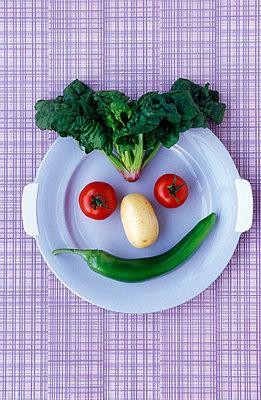 Gemüsegesicht - p1650214 von Andrea Schoenrock