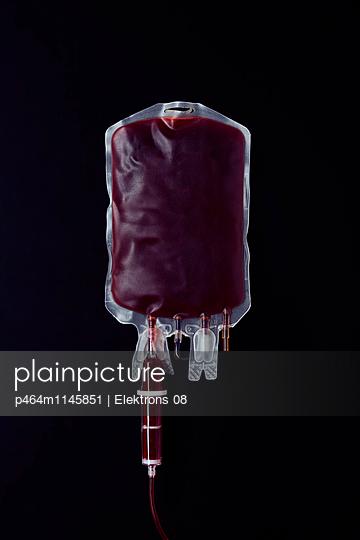 Blutkonserve - p464m1145851 von Elektrons 08
