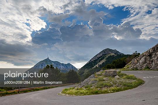 Montenegro, Lovcen National Park, winding mountain road towards Jezerski Vrh - p300m2081284 by Martin Siepmann
