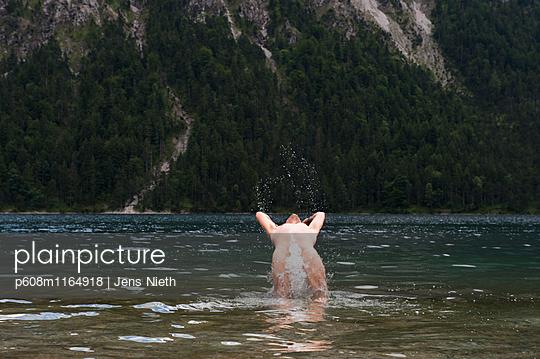 Sprung - p608m1164918 von Jens Nieth