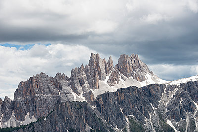 Cinque Torri area in the Dolomites, Italy. - p343m1184665 by Marcos Ferro photography