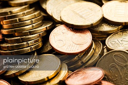 Geldmünzen Nahaufnahme - p1276m1200055 von LIQUID