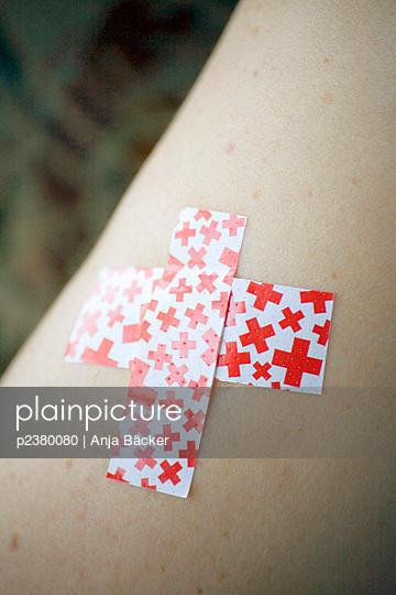 Injury - p2380080 by Anja Bäcker