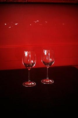 Empty wine glasses - p1028m1109246 by Jean Marmeisse