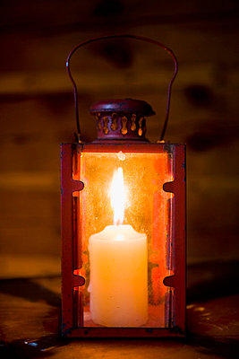 Lantern - p4263561f by Tuomas Marttila