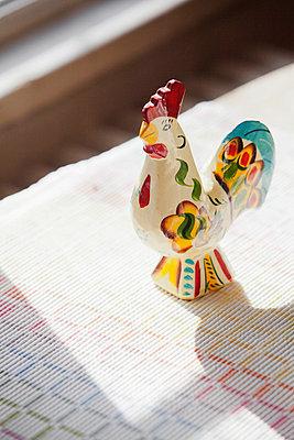 Painted cock figurine - p956m658559 by Anna Quinn