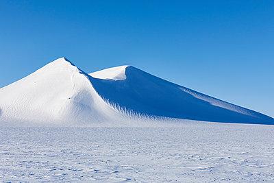 Winterlandschaft in Spitzbergen - p1203m1189793 von Bernd Schumacher