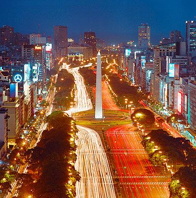 Multi-lane - p1205m1021011 by Pablo Castagnola