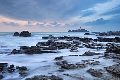 High tide at Godrevy, looking towards Godrevy Lighthouse, St. Ives Bay, Cornwall, England, United Kingdom, Europe - p871m962091 by Adam Burton