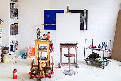 Atelier Künstler - p1222m1026351 von Jérome Gerull
