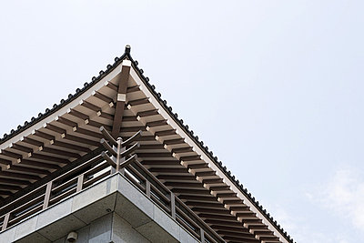 Japanese building - p9245891f by Image Source