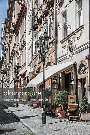 Nerudova Straße Prag - p401m1589664 von Frank Baquet