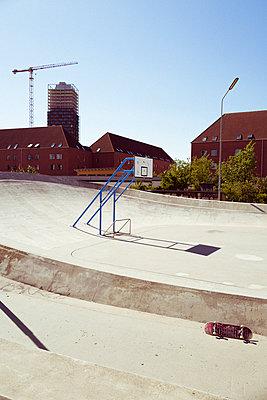 Verlassener Skaterpark - p432m2020244 von mia takahara