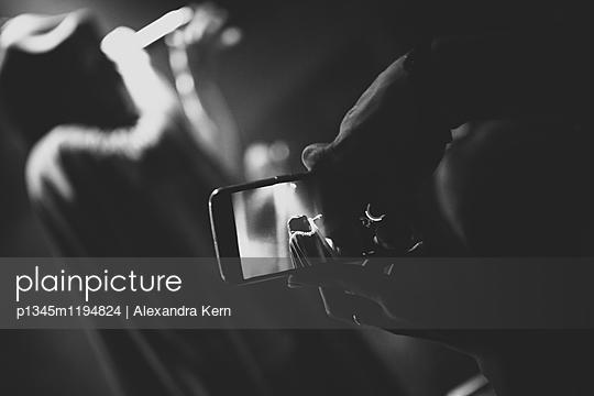 p1345m1194824 by Alexandra Kern
