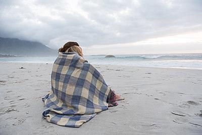 Zweisamkeit am Strand - p1142m1225332 von Runar Lind