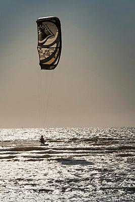 Kitesurfing - p948m852659 by Sibylle Pietrek