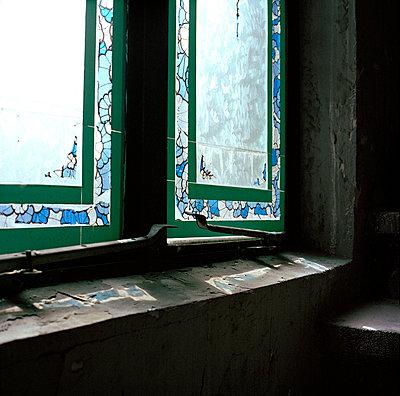 Kirchenfenster - p949m658133 von Frauke Schumann