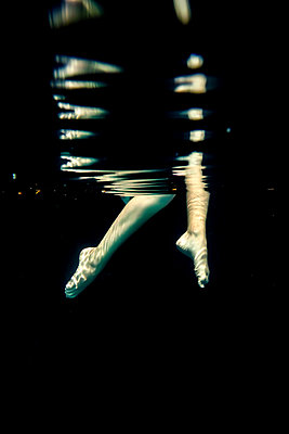 Girl Underwater  - p1019m2100555 by Stephen Carroll