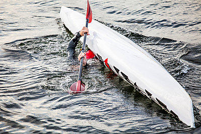 Canoe capsizing - p312m1025068f by Sara Winsnes