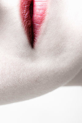 Female mouth with red lips - p1228m1223362 by Benjamin Harte