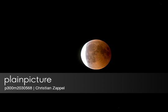 Germany, Rosenheim, lunar eclipse - p300m2030568 by Christian Zappel
