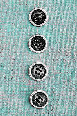 Vier Knöpfe  - p450m1561851 von Hanka Steidle