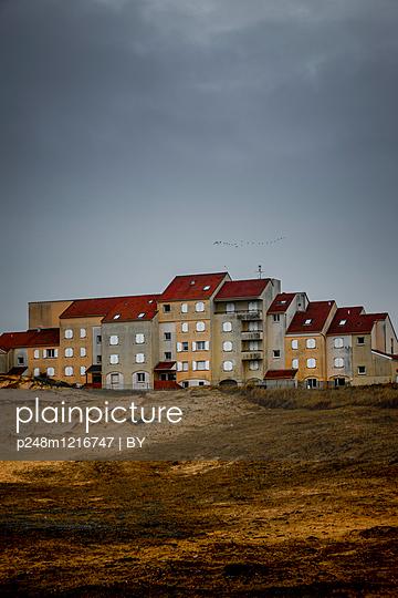 Appartmenthäuser in der Normandie - p248m1216747 von BY