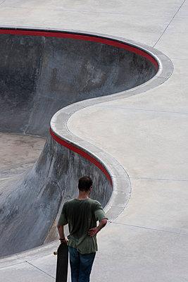 Im Skatepark - p220m1158919 von Kai Jabs