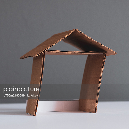 City planning, model, run-down house - p758m2183889 by L. Ajtay