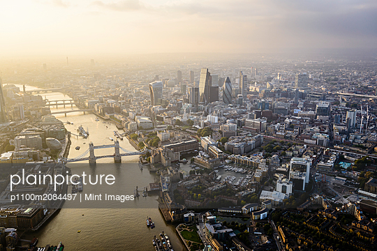 Aerial view of London cityscape and river, England,London, England - p1100m2084497 by Mint Images