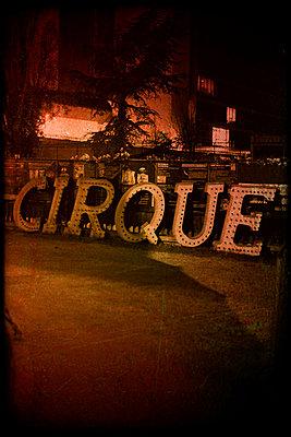 Circus (Le Cirque Electrique, Paris) - p1028m2082813 by Jean Marmeisse